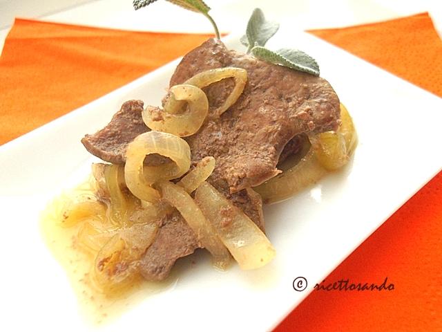 Fegato alla veneta ricetta originale vicentina con molte cipolle