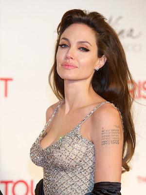 http://1.bp.blogspot.com/-VT993N7NMNU/UhdDDYIvaoI/AAAAAAAAA8s/yiYOqOgBSs8/s640/angelina_jolie_arm_tattoos_siv.jpg