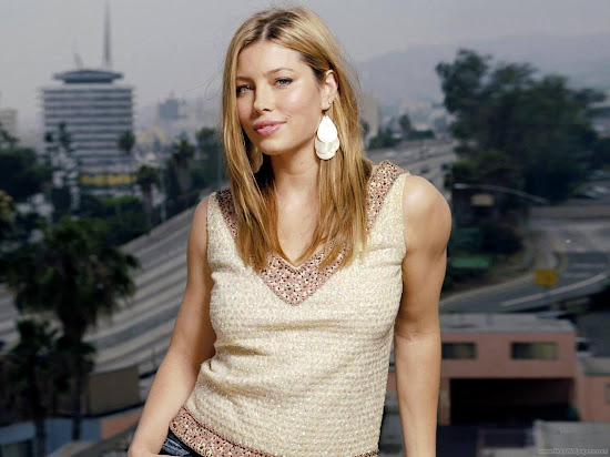 Jessica Biel Hollywood Actress Wallpaper