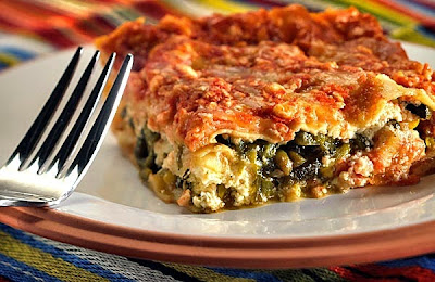 Mexican lasagna with meat baking white corn tortillas recipe in english
