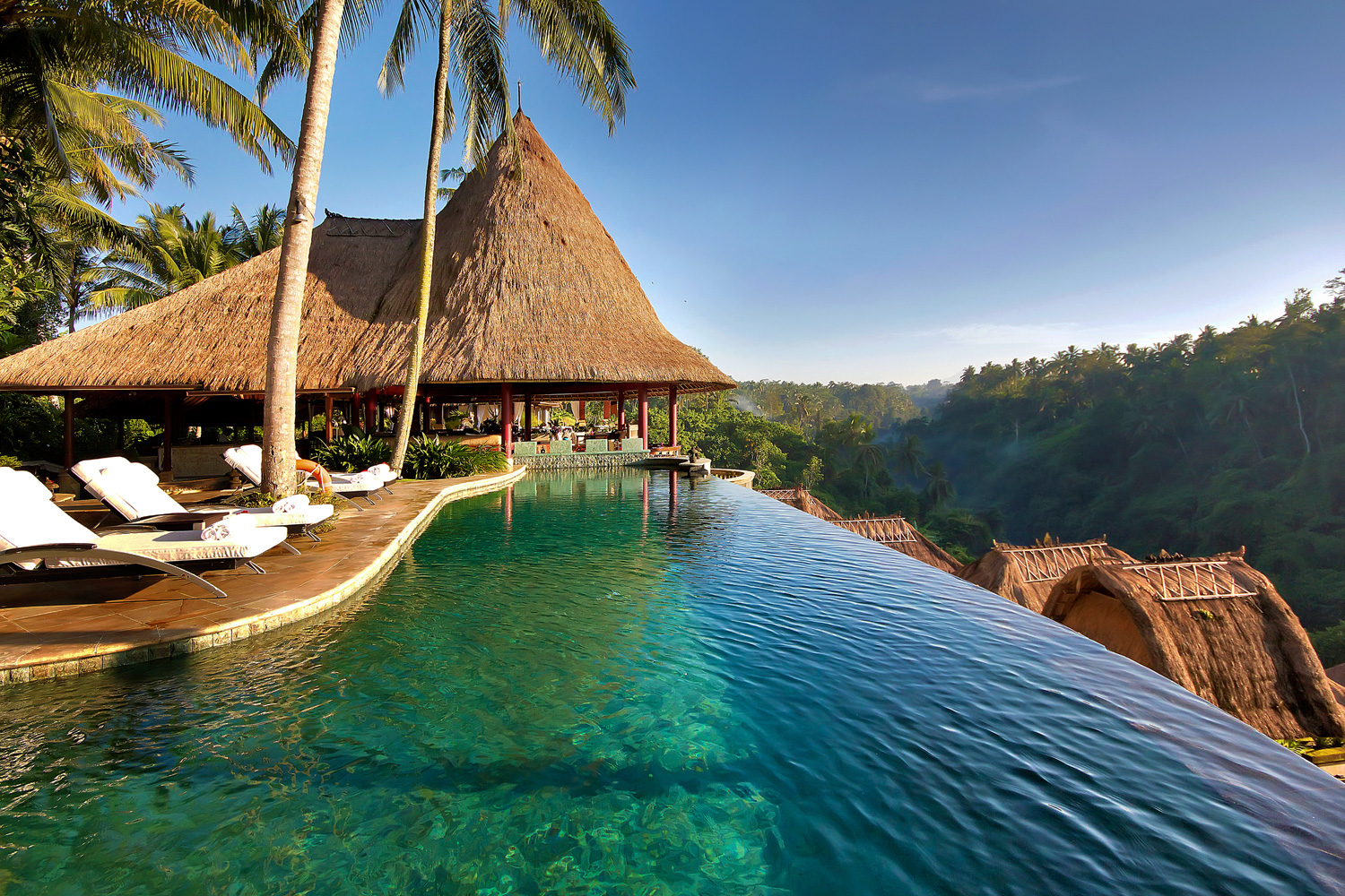 Bali indonesia tourist destinations for Great hotels in bali