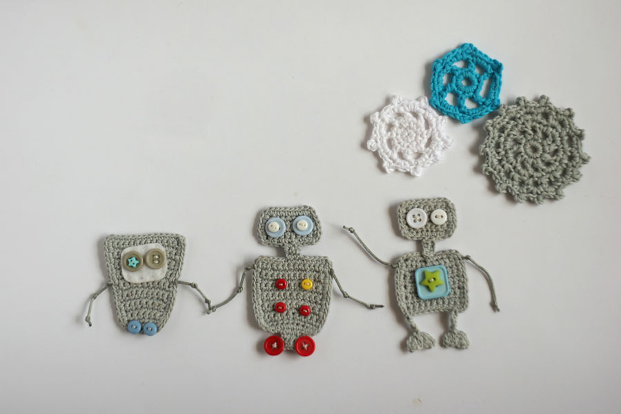 crochet robot cogwheels applique