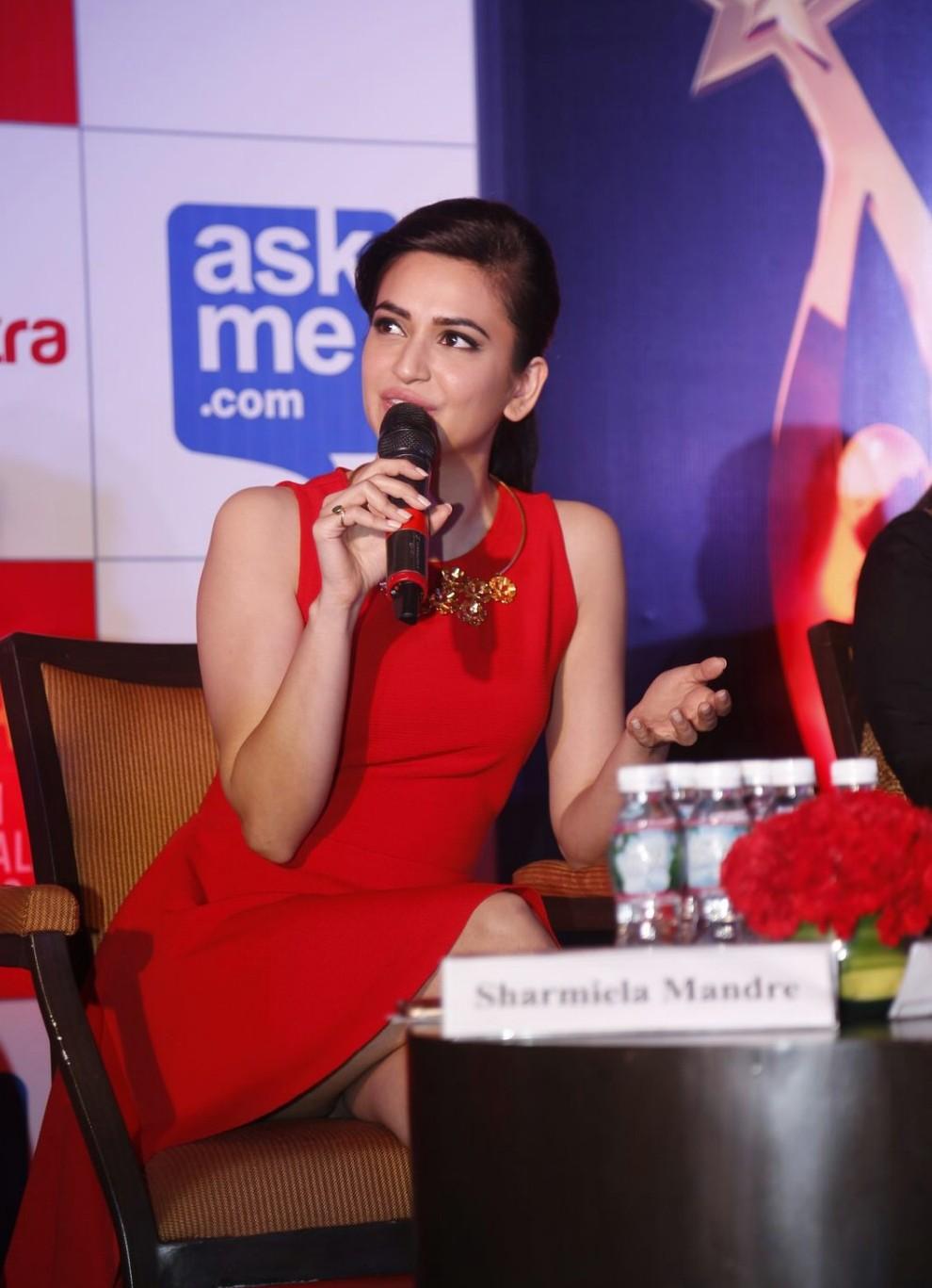 Kriti Kharbanda at South Indian International Movie Awards