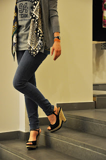 JBrand Jeans,Pura Lopez Platforms,D&G Cardigan,fashion bloggers,zeppe nere,outfit