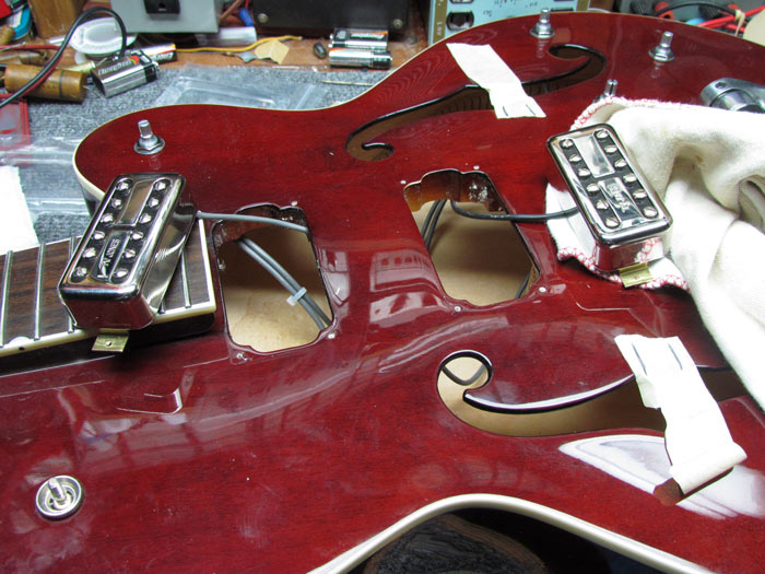tv jones install pickups gretsch crawls backward (when alarmed) gretsch g5120 upgrades tv jones tv jones wiring harness review at cita.asia