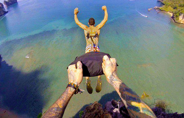 Thai Man Hooks Piercing Back 116 Meters Skydiving