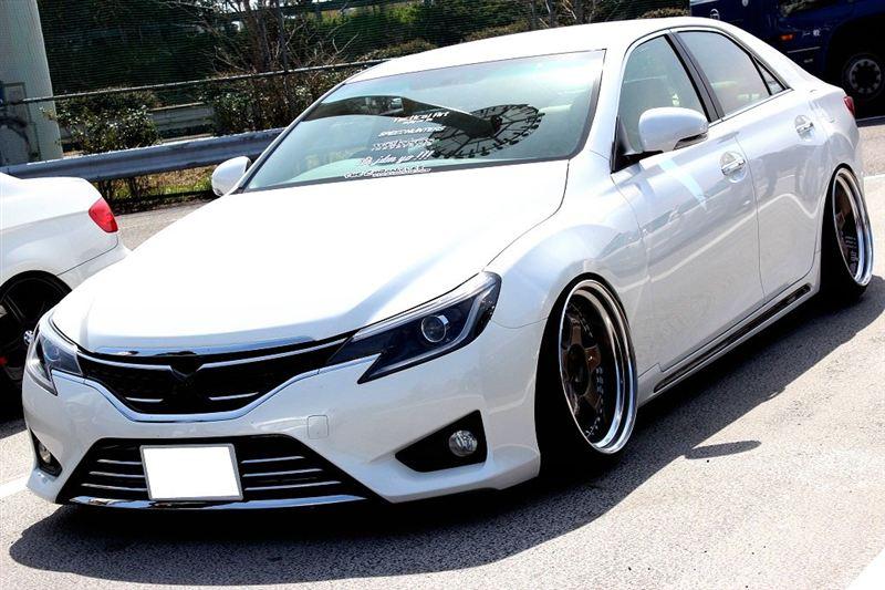 Toyota Mark X (GRX130), japoński sedan, ciekawy design, oryginalny, RWD, V6, tuning
