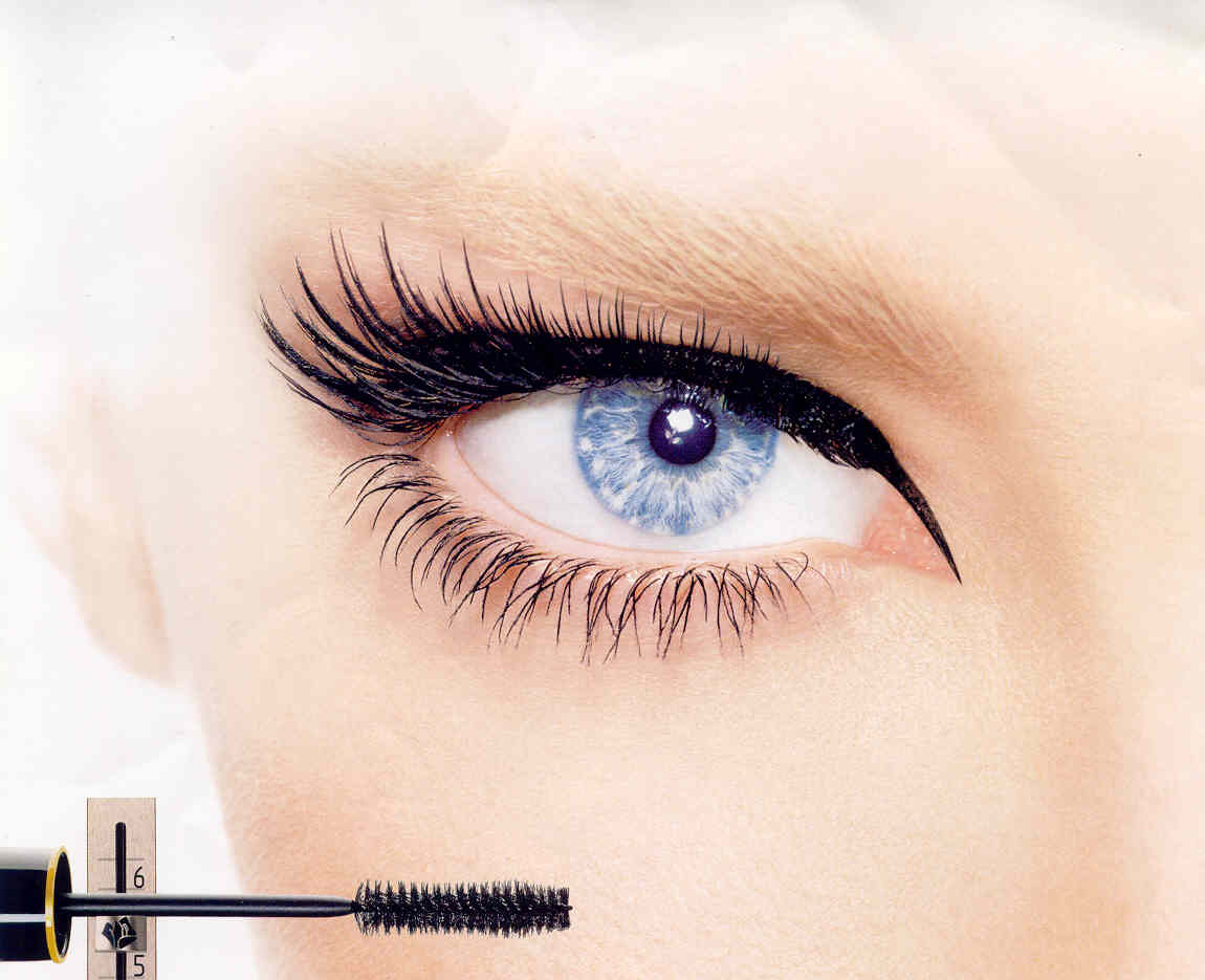 http://1.bp.blogspot.com/-VUIgCOSXzHM/Tg1vqWSZ5mI/AAAAAAAAAYk/MBXV296QrnU/s1600/mascara_eye_lid_picture.jpg