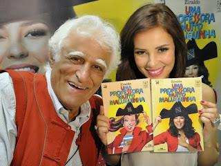 Ziraldo e Paola Oliveira no lançamento de Uma Professora Muito Maluquinha