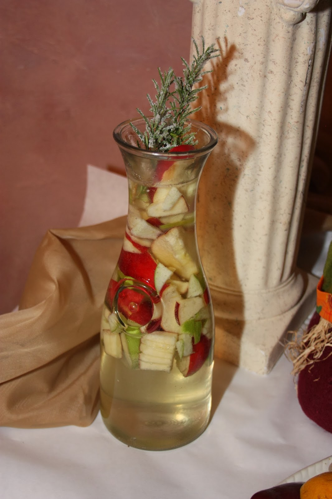 The Bubbly Hostess: Apple Cider Sangria