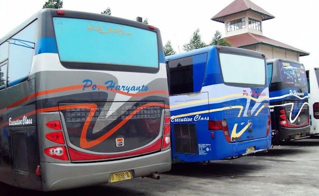Harga Tiket jurusan Pati - Jakarta untuk kelas VIP (mewah) yang hari biasa seharga 200 rb, naik menjadi 425 rb, sedangkan untuk kelas biasa Harga tiket Bus Pati - Jakarta yang tadinya di jual 120 rb kini bisa mencapai 200 rb