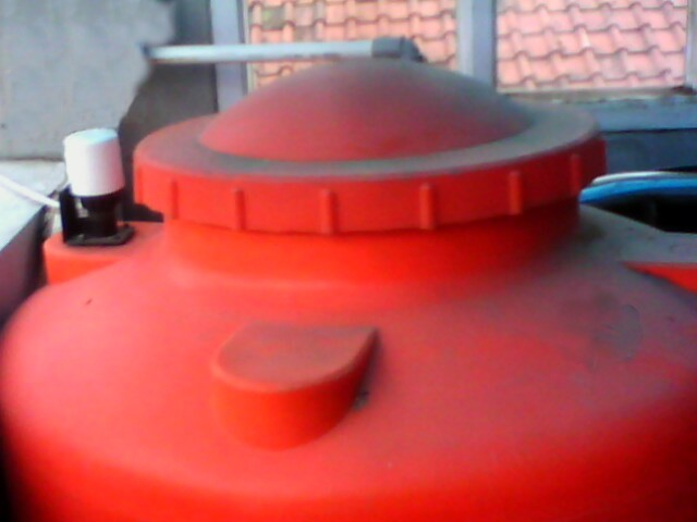 Sakelar Otomatis Pada Yang dipasang pada Penampung Air