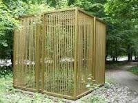 Παρήγγειλα χρυσό κλουβάκι για το φίλο μου τον Άκη!