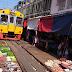 "Pasar Harian Di Laluan ""Kereta Api""...unik"