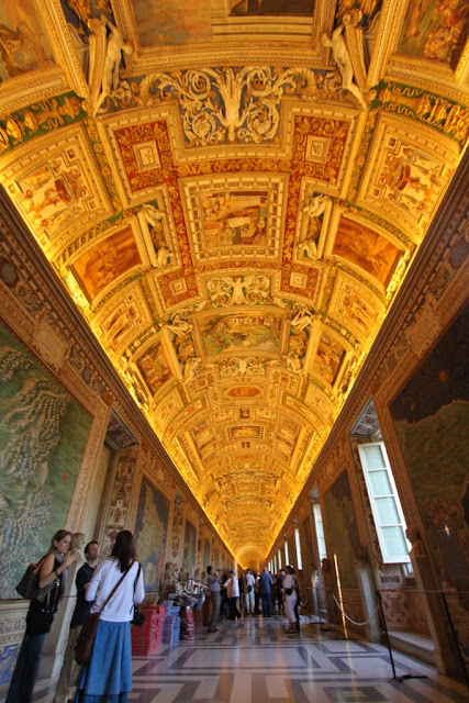 Ceiling of The Gallery of Maps in Galleria Delle Carte in Musei Vaticani (Vatican Museum) in Vatican City, Rome, Italy