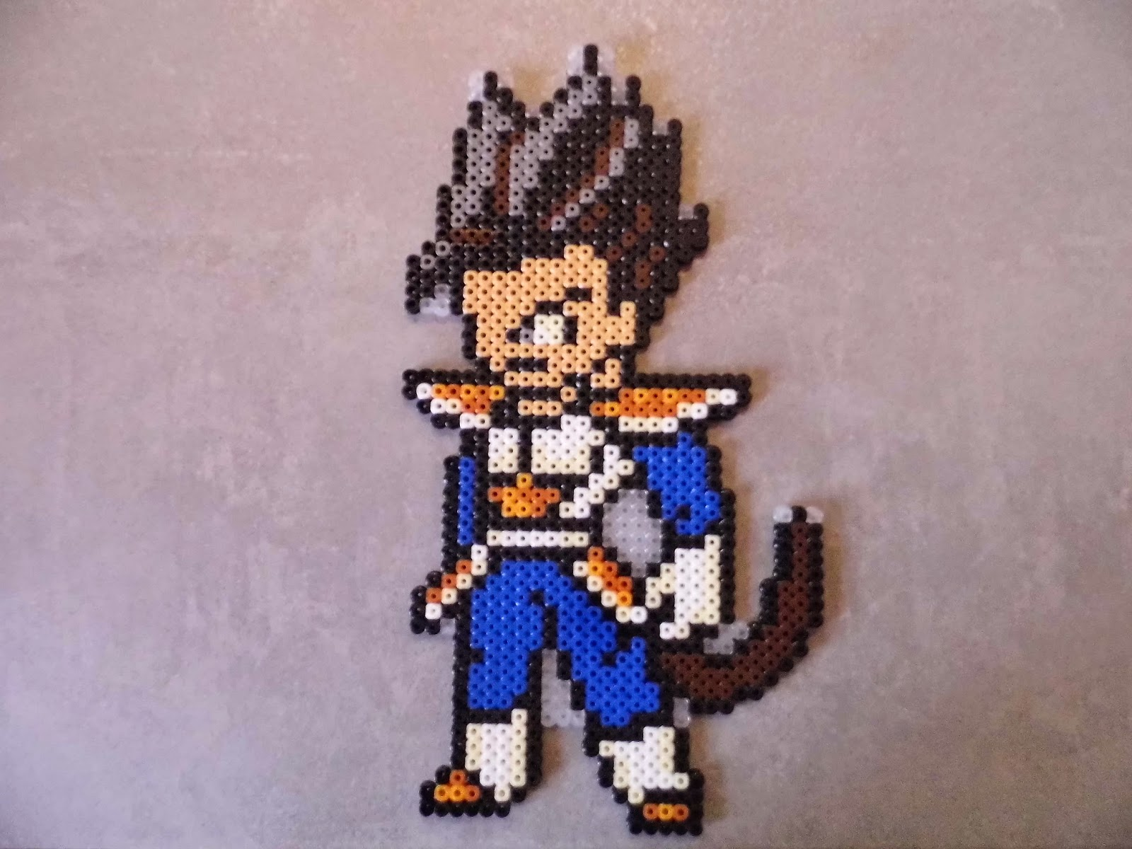 pixel art en perle hama dragon ball en perle hama. Black Bedroom Furniture Sets. Home Design Ideas