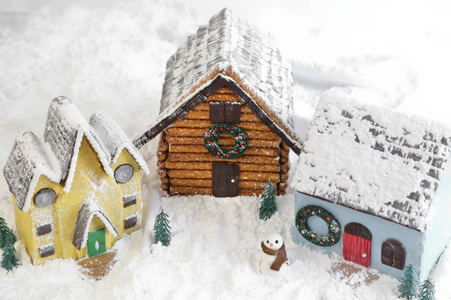 Three Designer-Worthy Gingerbread Houses for HGTV!