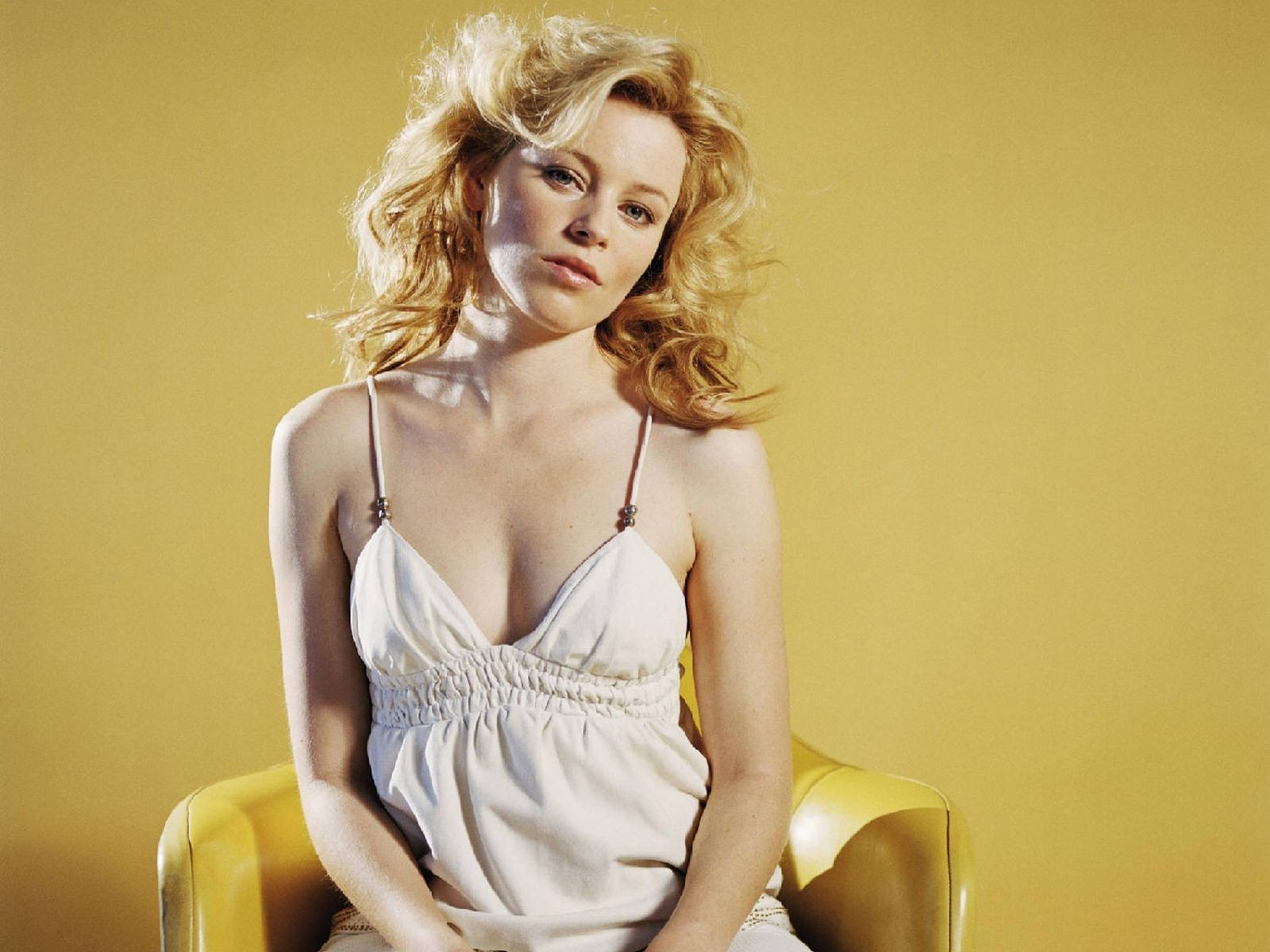 Hollywood actress wallpapers: Elizabeth Mitchell hd wallpapers