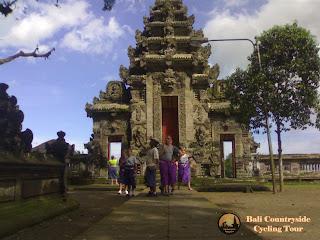 Visiting second Largest Temple - Kehen Temple