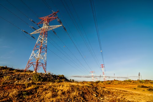 High-voltage transmission lines (Credit: The Future of the Grid/shutterstock) Click to enlarge.