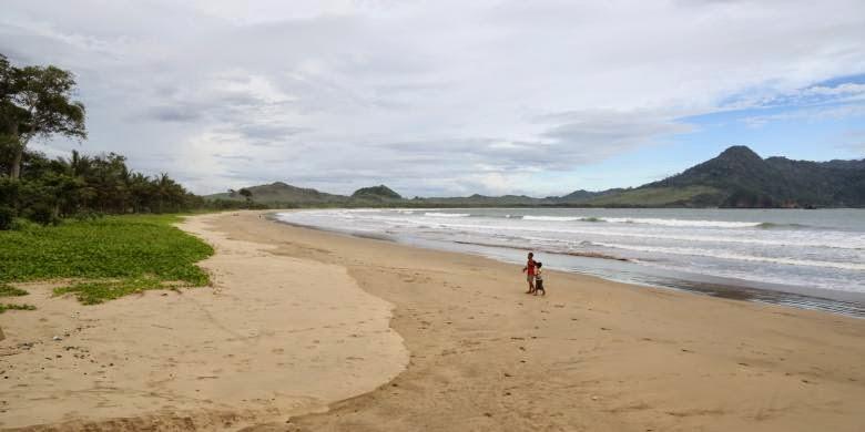 Pantai Mustaka Banyuwangi.