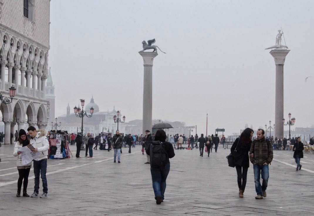 Venise - Place Saint Marc - brouillard
