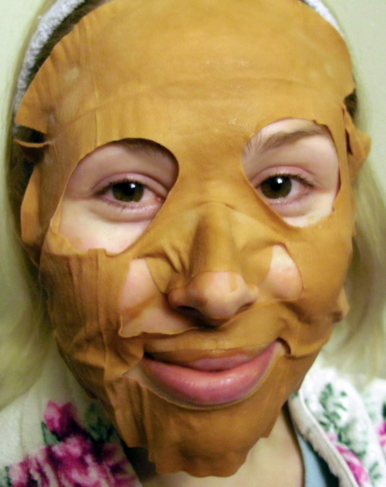 Renew You Revive & Uplift Fabric Face Tonic - Looking Scary Wearing the Mask!
