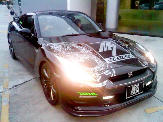 diyana halik, kereta mewah selebriti, kereta aaron aziz, kereta zizan, GTR 35, M7 Dragon Edition, Mitsubishi Evolution 10, kereta mewah aaron aziz dan zizan