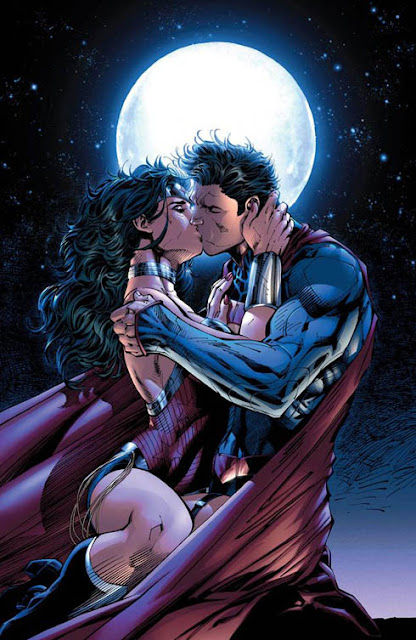 Justice League 12 2012 Superman Kissing Wonder Woman cover
