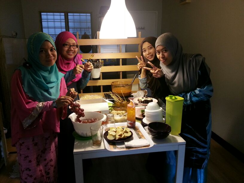 My Friends...(><,)