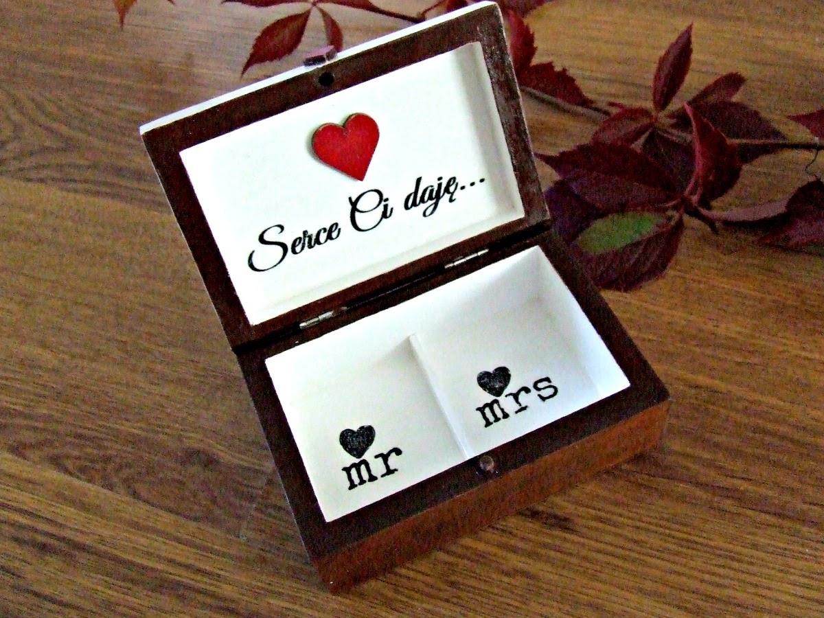Pudełko na obrączki w stylu retro. Ręcznie ozdabiane pudełko ślubne Eco Manufaktura.
