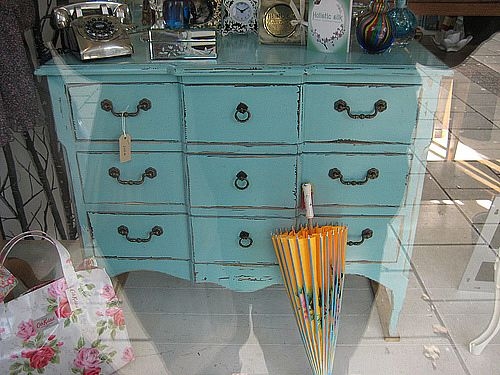 Cottage blue designs painted furniture for Mobilier shabby chic