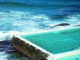 Y Electric Bondi Beach ... como no, existe una oferta diaría de masajes y yoga junto al mar