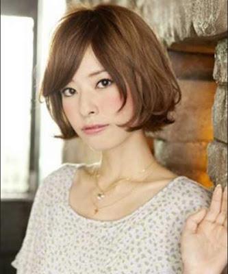 model rambut straiht bob wanita jepang