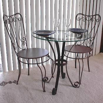 Decoraciones y modernidades modernos dise os de muebles for Hierro forjado disenos