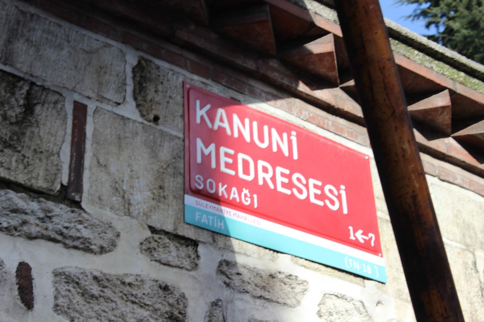 Kanuni medresesi sokağı