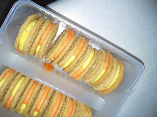 Candy Corn Oreos reviewed