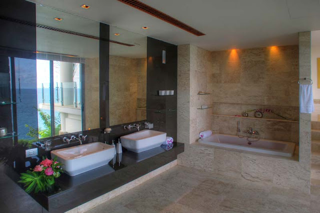 Modern bathroom in the Villa Liberty, Phuket