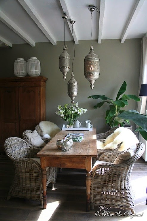 تصميمات رائعه لغرف المعيشه المغربيه  Exquisite-moroccan-dining-room-designs-30