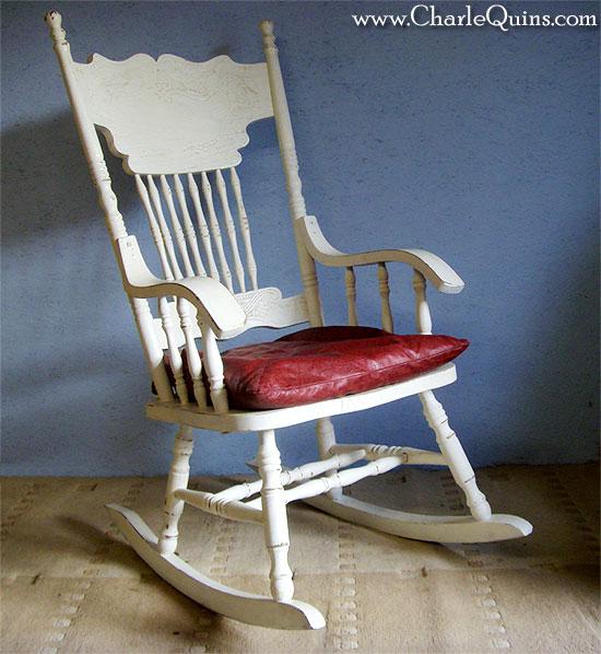Retro Furniture: Shabby Chic Rocking Chair