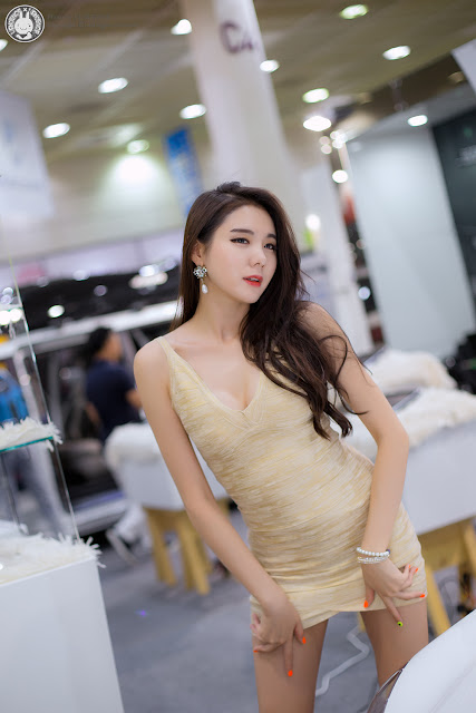 2 Min Yu Rin - 2015 Seoul Auto Salon - very cute asian girl-girlcute4u.blogspot.com
