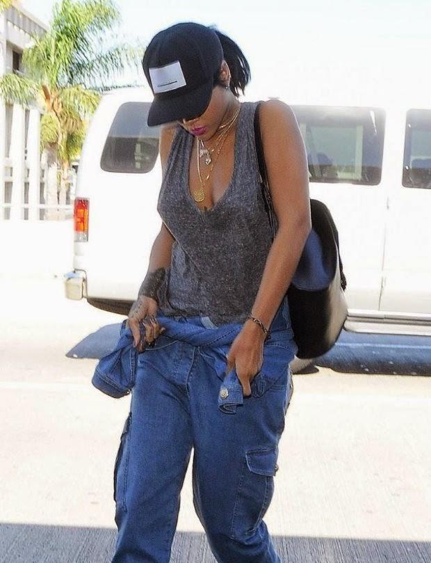 Rihanna, Street Style, celebrity style