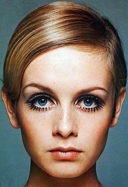 Como fazer os olhos parecerem maiores - Tyggi