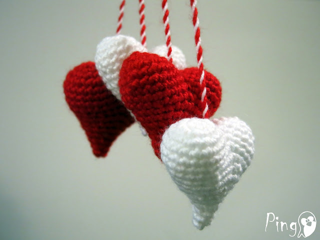 Little hearts crochet pattern by Pingo - The Pink Penguin