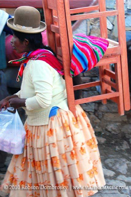 chola boliviana na ilha do sol