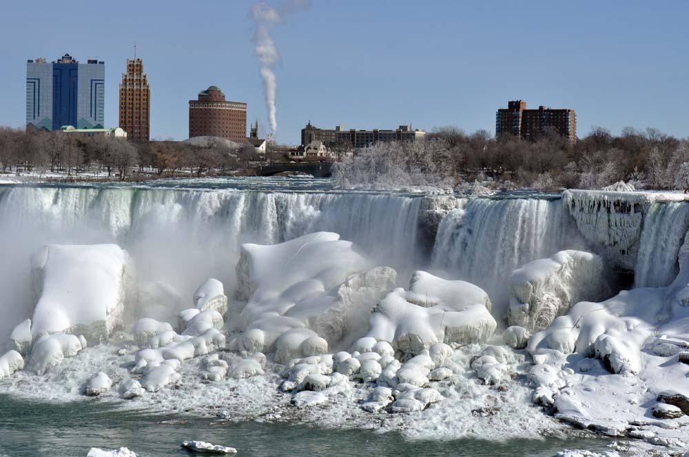 Visit Niagara Falls in Winter