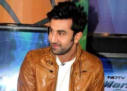 Ranbir Kapoor Kissing Girl