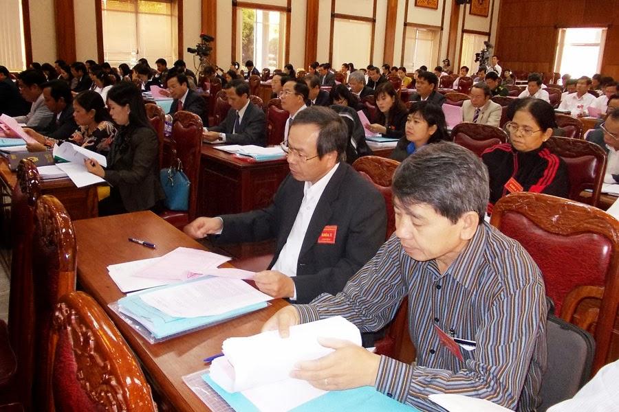 Từ ngày 9 đến 12-12, tại TP. Pleiku: Tổ chức kỳ họp thứ 6, Hội đồng Nhân dân tỉnh Gia Lai khóa X