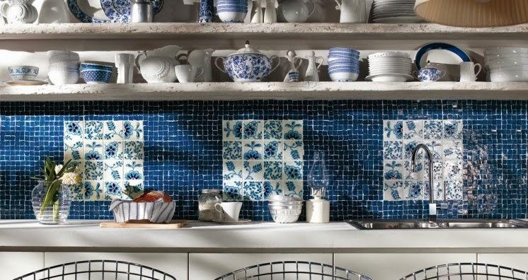 Cucina con piastrelle blu credits immagini da cucina