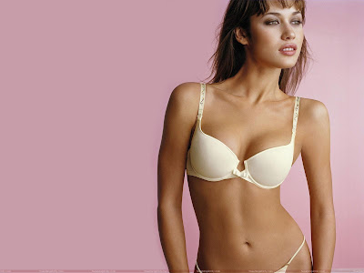 olga_kurylenko_hot_wallpaper_in_beautiful_bra_fun_hungama_forsweetangels.blogspot.com